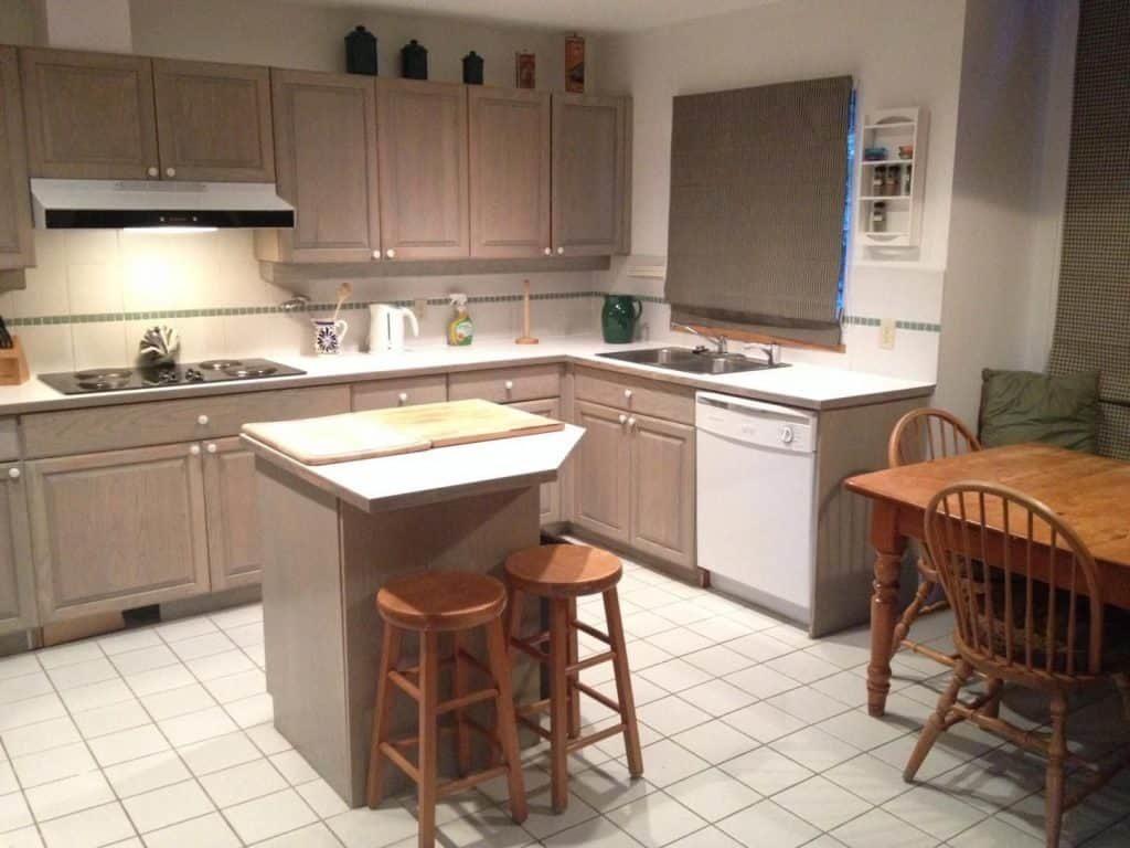 kitchen at alltracks accommodation